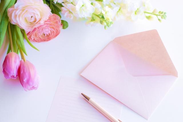 ペット火葬で収められるお手紙、お花